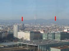 Blick vom Riesenrad im Prater auf die beiden Flaktürme